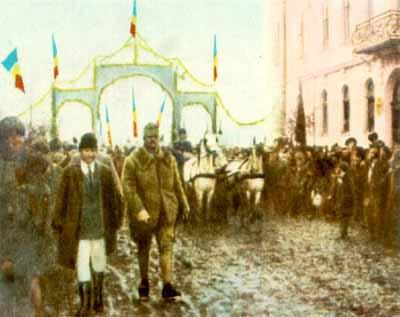 Imagini pentru Delegaţii participante la Marea Adunare de la Alba Iulia: